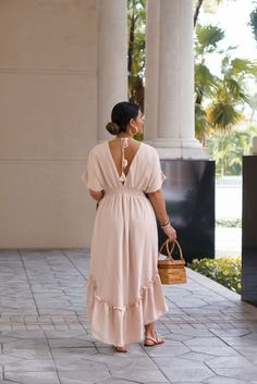 Simple Fashion Tips Maxi dress summer outfit. Dress and sandals outfit.Simple Fashion Tips Maxi dress summer outfit. Dress and sandals outfit. Maxi Outfits, Casual Dress Outfits, Summer Dress Outfits, Chic Outfits, Dress Summer, Summer Wear, Casual Wear, Flowy Summer Dresses, Simple Dresses