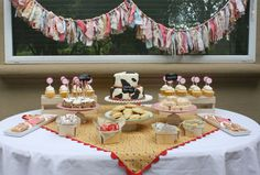 Charlotte's vintage cowgirl party!