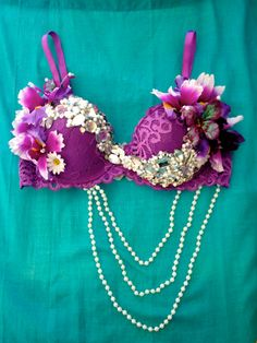 #ravebra #whythecagedbirdsings  @Selena Martinez  this would be a cute rave bra for you