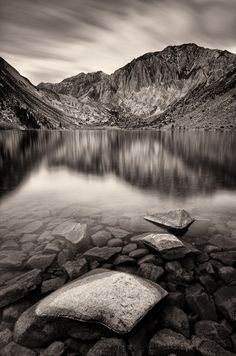 Convict Lake in the eastern Sierra mountain range near Mammoth Lakes