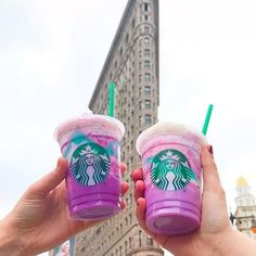 We taste tested the new color-changing Unicorn Frappucino from @starbucks. ✨ See what we think on Snapchat : thisisinsider  #insiderdessert #unicornfrappuccino