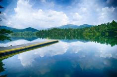 The beautiful, unspoiled Lake Santeetlah in western North Carolina is surrounded by the huge Nantahala National Forest. - digidreamgrafix/shutterstock