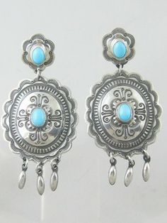 Southwest Silver Gallery specializes in Turquoise jewelry, turquoise, Native American jewelry, Navajo jewelry, American Indian jewelry, Zuni jewelry, Navajo Indian jewelry, authentic turquoise jewelry, Hopi jewelry, Indian turquoise jewelry