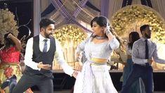 Video (c) : Anu Sandhu Cinematography Indian Wedding Bridesmaids, Indian Wedding Songs, Indian Wedding Couple Photography, Wedding Photography Poses, Wedding Dance Video, Wedding Videos, Ladies Sangeet, Bridal Poses, Bollywood Wedding