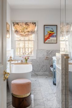 This London Townhouse Renovation Effortlessly Marries British and California Styles London Townhouse, London House, Hotel Sheets, Townhouse Designs, Green Cabinets, Built In Bookcase, House On A Hill, Built In Wardrobe, California Style