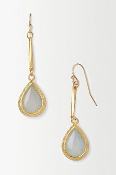 Starshine Drop Earrings, so simple so lovely! I could match them to so many looks! Heart Jewelry, Jewelry Gifts, Jewelry Box, Jewelry Accessories, Fashion Accessories, Jewelry Necklaces, Bracelets, Ring Necklace, Dangle Earrings