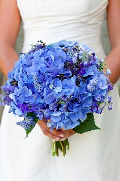 Love the look of this blue bouquet! #weddingbouquet #summer #flowers {Jocelyn Filley Photography}