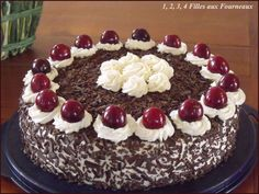 Pictures of my black forest without alcohol + recipe Food In French, French Cake, Kolaci I Torte, Alcohol Recipes, Fondant Cakes, Cake Cookies, Coco, Bakery, Sweet Treats