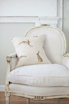 Classic White with Hare Pillow