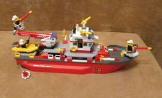 7207 Lego City Fire Ship Complete Police station boat minifigs fireman #LEGO Lego City Fire, Lego Fire, Lego Police Station, Best Lego Sets, Lego Boards, Lego Birthday Party, Lego Technic, Cool Lego, Heart For Kids