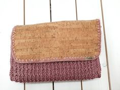 crochet cork crossbody bag, cork handbag, handmade bags,elegant bag, rotten apple shoulder bag, women fashion, stylish Crochet Handbags, Crochet Bags, Clutch Bag, Crossbody Bag, Apple Coloring, Handmade Bags, Bag Making, Cork, Reusable Tote Bags
