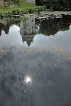 #elven #bretagne #morbihan #promenadebretonne #forteresse #Largoet #forteressedelargoet #reflet #refletdusoleildansleau