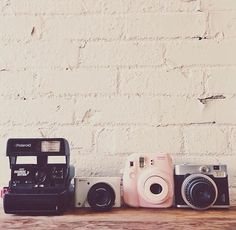 camera, vintage, and polaroid image Old Cameras, Vintage Cameras, Poloroid Camera Vintage, Instax Camera, Fujifilm Instax Mini, Camera Photography, Photography Tips, Street Photography, Landscape Photography