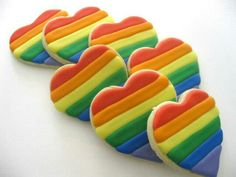Rainbow heart cookies - sold by the dozen at Galletas Cookies, Iced Cookies, Royal Icing Cookies, Sandwich Cookies, Rainbow Food, Rainbow Heart, Rainbow Baking, Rainbow Cakes, Decorated Cookies