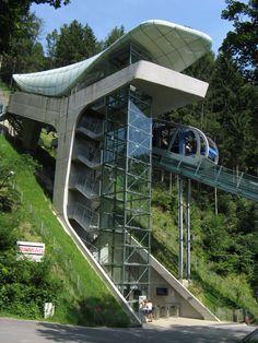 Google-Ergebnis für http://upload.wikimedia.org/wikipedia/commons/6/66/Hungerburgbahn-Station-Alpenzoo.jpg