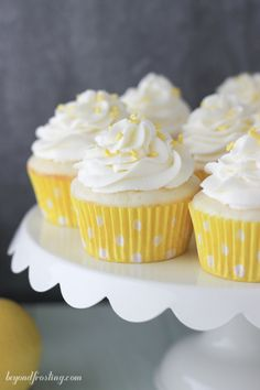 Lemon Cream Pie Cupcakes-023
