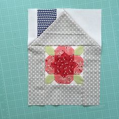 I made this super adorable mini flower girl block from @thimbleblossoms new Handmade mini pattern!! Put it in a Dwell house and look at how cute!! Can't wait to add it to my Dwell swap neighborhood!! Hope everyone had a great weekend. I'm still cleaning up my sewing room. #thimbleblossoms #littlerubyfabric
