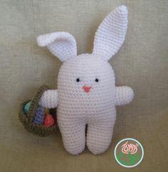AMIGURUMI BUNNY, EASTER STYLE (© 2013 Toma Creations). ☀CQ #crochet #amigurumi http://www.pinterest.com/CoronaQueen/crochet-amigurumi-corona/