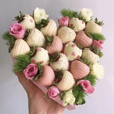 28 ideas fruit bouquet chocolate for 2019 Chocolate Strawberry Desserts, Chocolate Dipped Strawberries, Chocolate Cupcakes, Homemade Chocolate, Chocolate Recipes, Hot Chocolate, Strawberry Tower, Strawberry Hearts, Strawberry Fruit
