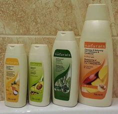 Wszyscy używamy szamponów, czasem wysoko półkowych kupowanych w salonie fryzjerskim, albo popularnych drogeryjnych, lub też ziołowych, których cena nie przekracza kilku złotych. Bywa, że to wszystko jest kwestią przyzwyczajenia, ulubionego zapachu, ale też i ceny. I tu kłaniają nam się szampony firmy Avon.