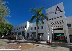 Local comercial en venta sobre la 5a Avenida, por la entrada a Playacar