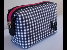 NECESSAIRE KIT MANICURE - YouTube Porta Lingerie, Couture, My Bags, Clutch Bag, Diaper Bag, Diy And Crafts, Sewing, Videos, Fashion