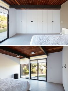 In this simple bedroom, a wall of cabinetry provides plenty of storage, while a window and sliding glass door provides natural light and access to the garden. Luz Natural, Natural Light, Mid Century Modern Bedroom, Mid Century House, Maison Eichler, Flat Roof House, Modern Ranch, Corner House, Interior Windows