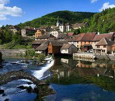 Lods, Franche-Comté, France | Village classé. Mansions, History, House Styles, Travel, Law School, Historia, Viajes, Manor Houses, Villas