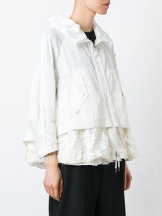#moncler #bugamville #jacket #white #women #fashion #style www.jofre.eu