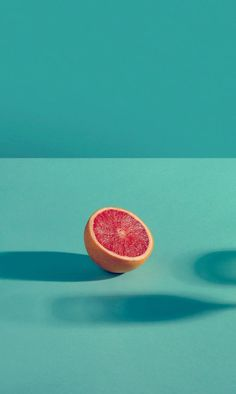 Take A Look At These Fantastic Juicing Tips – Fruity Freshy Juicy Minimal Photography, Fruit Photography, Still Life Photography, Color Photography, Creative Photography, Photography Ideas, Wallpaper Tumblrs, Food Wallpaper, Color Harmony