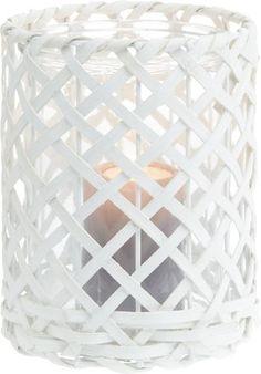 Dekoratives Windlicht aus Rattan in Weiß - ein attraktiver Hingucker