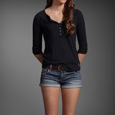Cute layed back outfit. :)
