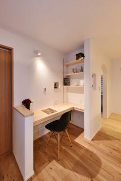 ママスペース・書斎 寺島製材所の写真集 in 2020 Small Office, Home Office, Diy Home Decor, Room Decor, Desk Space, Living Styles, Minimalist Home, New Homes, Interior Design