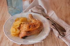 Cuartos traseros al tomillo y romero sobre cama de patatas | La cocina perfecta