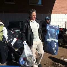 Jon Stewart volunteering in Staten Island (post-Hurricane Sandy), via Staten Island Strong on Facebook.