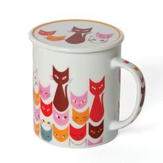 Cat Mask Mug With Lid In Red.