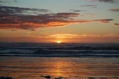 http://aimeesf.hubpages.com/hub/A-Stroll-Through-San-Franciscos-Ocean-Beach