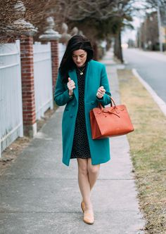 Classy Girls Wear Pearls: The Girl in the Green Coat