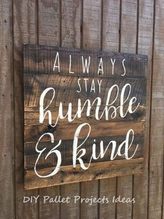 Use Pallet Wood Projects to Create Unique Home Decor Items – Hobby Is My Life Diy Pallet Projects, Wood Projects, Pallet Crafts, Pallet Ideas To Sell, Furniture Projects, Garden Projects, Diy Wood Signs, Pallet Board Signs, Wooden Signs With Sayings