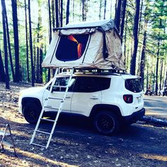 Accesorios Jeep Renegade, Jeep Camping, Jeep Mods, Lets Run Away, 4 Runner, Jeep Accessories, Jeep Compass, Roof Top Tent, Car Stuff