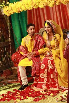 Ali Xeeshan - Mehndi Bengali Wedding, Desi Wedding, Pakistani Bridal, Pakistani Designer Clothes, Pakistani Designers, Ali Xeeshan, Indian Outfits, Indian Clothes, Bridal Outfits