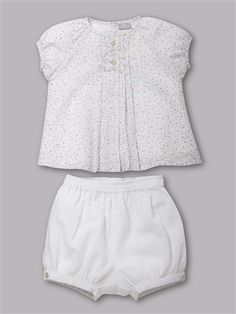Baby girl outfit in a floral print, top and bloomers.