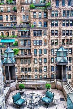 Manhattan, New York City (ok, ok, not a lot of greenery, but I'm seeing the potential…) #balcony #newyork #city_balcony