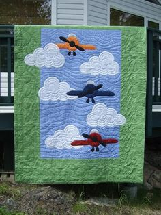 Airplanes In The Sky quilt - Baby Rooom Quilt Baby, Baby Quilt Patterns, Colchas Quilting, Quilting Projects, Quilting Designs, Airplane Quilt, Cute Quilts, Children's Quilts, Applique Quilts