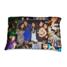 Customize the photo pillowcase by choosing the photos as you like.