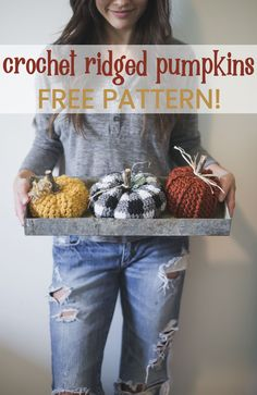 Cute Crochet Patterns These cute and easy little pumpkins are so fun to make! They whip up super quick, and are a great alternative for real live pumpkins. Click this pin to find more fall decor! Crochet Pumpkin, Crochet Fall, Halloween Crochet, Cute Crochet, Beautiful Crochet, Crochet Crafts, Crotchet, Beginner Crochet Projects, Crochet For Beginners