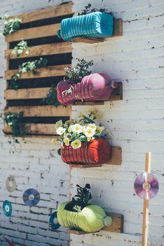 Inspiração de jardim para uma parede sofrida