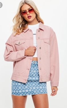 551 items - Be a badass with a good ass with the denim collection from Missguided. Denim shirts, denim dresses, denim skirts & jeans with free returns Pink Denim Jacket, Oversized Denim Jacket, Pink Jeans, Denim Outfit, Doble Denim, Pijamas Women, Denim Fabric, Casual Outfits, Casual Wear