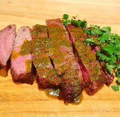 Edels Mat & Vin: Biff stekt i AirFryer ♫ Servert med chimichurri 🌿. Chimichurri, Frisk, Chili, Steak, Food, Cilantro, Chilis, Meals, Yemek