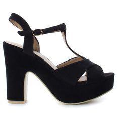 Sandalia de tacón ancho de 12 cm, disponible en color rojo o negro. Ideales para salir de noche y fácilmente combinables con vestidos veraniegos. Tienen cierre en hebilla a la altura de la cintura y suela antideslizante que facilitan el agarre. Suela: GOMA.Tacón: 12.